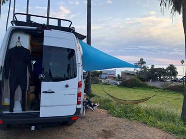 Tente de plage Shadysand sur une camionette