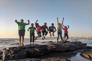 Activités à la plage pour les enfants : dans l'eau, à l'ombre et au soleil