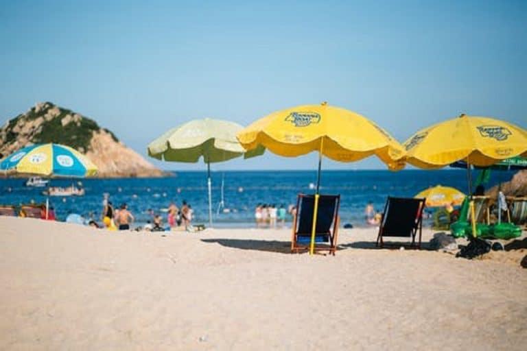 Pourquoi le parasol de plage ne convient-il pas toujours aux sorties en bord de mer ?