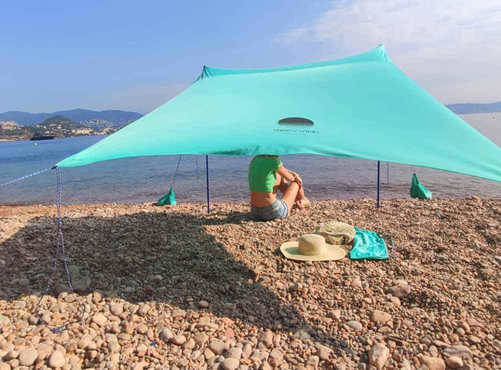 La tente de plage Shadysand sur la côte d'azur